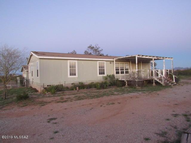 18044 W Husker Lane, Marana, AZ 85653 (#21907409) :: The Josh Berkley Team