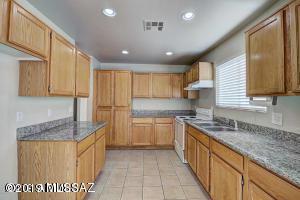 202 W Marguerite Avenue, Phoenix, AZ 85041 (#21907485) :: Long Realty Company