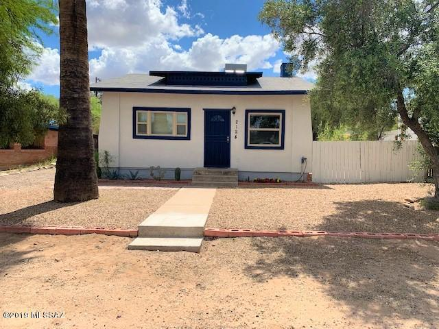 2124 E Helen Street, Tucson, AZ 85719 (#21909540) :: Long Realty - The Vallee Gold Team