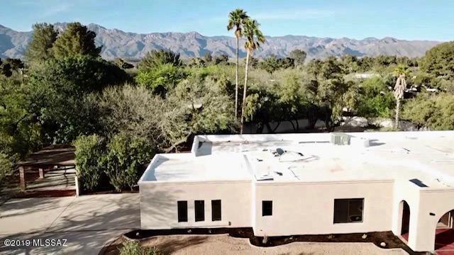 6211 E Paseo Tierra Alta, Tucson, AZ 85715 (#21910212) :: Long Realty - The Vallee Gold Team