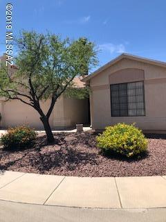 2987 W Country Meadow Drive, Tucson, AZ 85742 (#21913578) :: Luxury Group - Realty Executives Tucson Elite