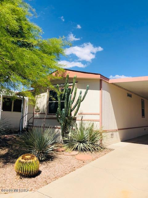 6233 S Foxhunt Drive, Tucson, AZ 85746 (MLS #21913930) :: The Property Partners at eXp Realty