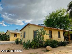 2443 N Treat Avenue, Tucson, AZ 85716 (#21914266) :: The Josh Berkley Team