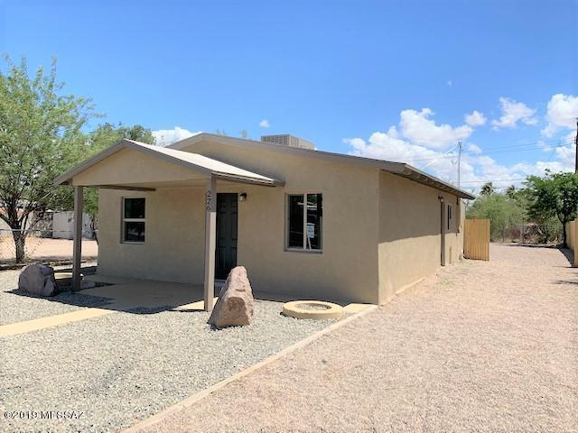 226 E Michigan Drive, Tucson, AZ 85714 (#21916127) :: Long Realty - The Vallee Gold Team