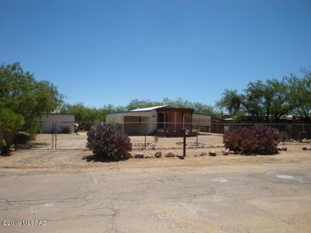 9345 S Carol Drive, Tucson, AZ 85736 (#21916478) :: Keller Williams
