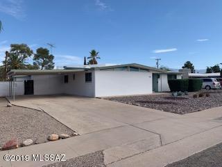 6809 E New Hampshire Drive, Tucson, AZ 85710 (#21918629) :: The Josh Berkley Team