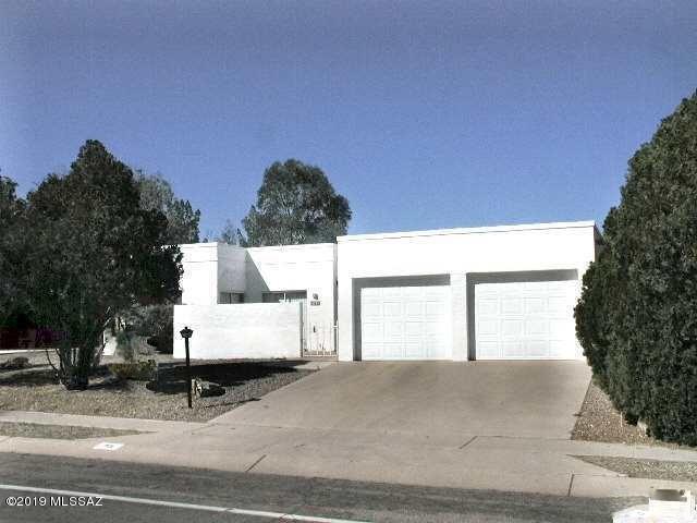 701 N Abrego Drive, Green Valley, AZ 85614 (#21918734) :: Luxury Group - Realty Executives Tucson Elite