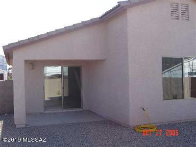 7149 S Oakbank Drive, Tucson, AZ 85757 (#21918777) :: Luxury Group - Realty Executives Tucson Elite