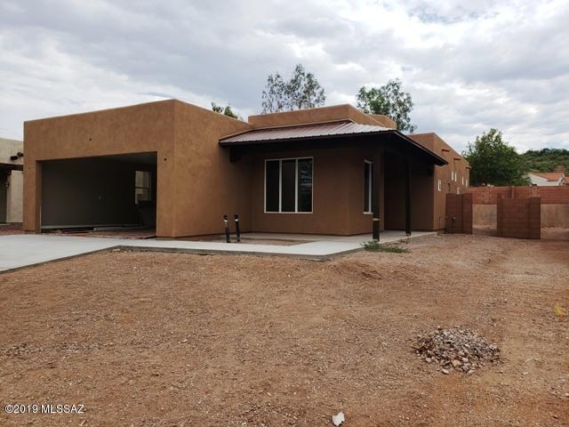282 Circulo Bellagio, Rio Rico, AZ 85648 (#21918780) :: Luxury Group - Realty Executives Tucson Elite