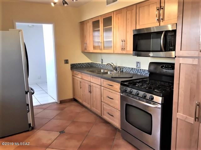 2726 E Sylvia Street, Tucson, AZ 85716 (#21919224) :: The Local Real Estate Group | Realty Executives
