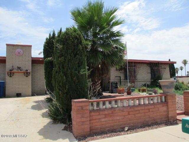 5121 S Greenway Drive, Tucson, AZ 85706 (#21919282) :: Gateway Partners | Realty Executives Tucson Elite