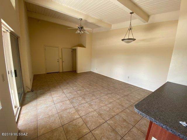 2525 N Alvernon Way D-7, Tucson, AZ 85712 (#21919462) :: Gateway Partners | Realty Executives Tucson Elite