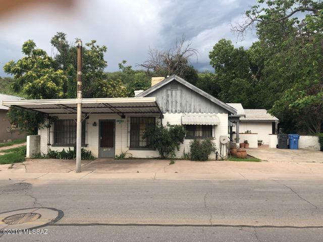 1080 N Bankard Ave, Nogales, AZ 85621 (#21920557) :: The Josh Berkley Team