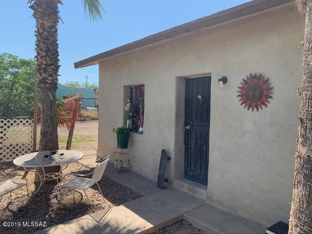 111 W 27Th Street, Tucson, AZ 85713 (#21921163) :: Long Realty - The Vallee Gold Team