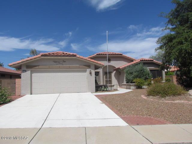 14339 N Choctaw Drive, Oro Valley, AZ 85755 (#21921254) :: Long Realty - The Vallee Gold Team