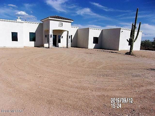4560 W Greenock Drive, Tucson, AZ 85742 (#21924273) :: Long Realty - The Vallee Gold Team