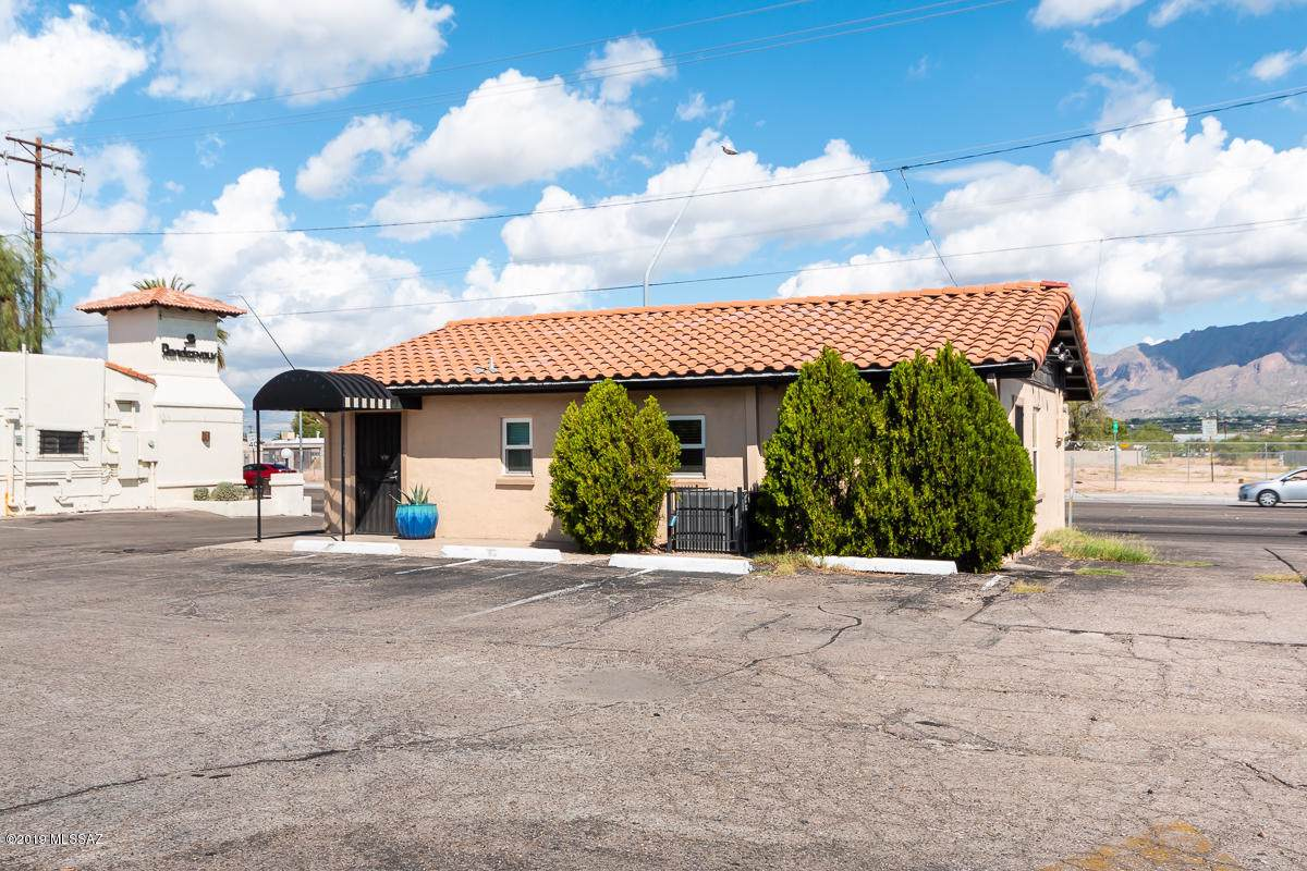 3854 Fort Lowell Road - Photo 1