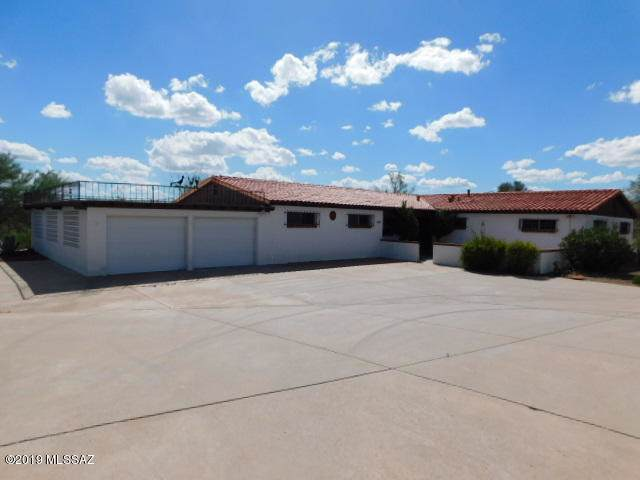 355 W Mission Twin Buttes Road, Green Valley, AZ 85622 (#21926122) :: Long Realty Company