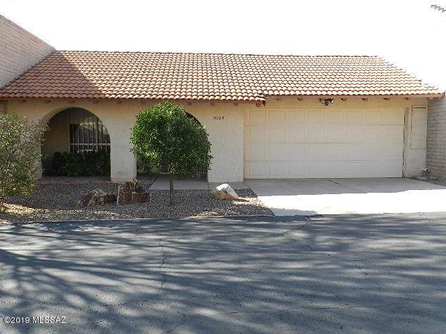 5735 N Camino Laguna, Tucson, AZ 85718 (#21930497) :: The Local Real Estate Group | Realty Executives