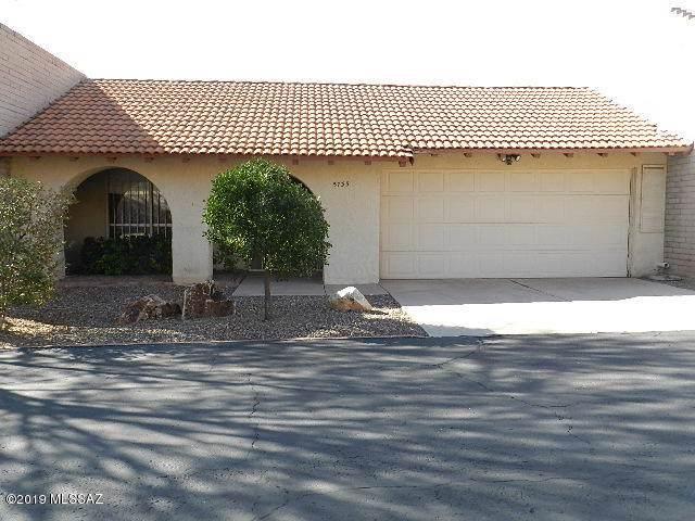 5735 N Camino Laguna, Tucson, AZ 85718 (#21930497) :: Long Realty - The Vallee Gold Team