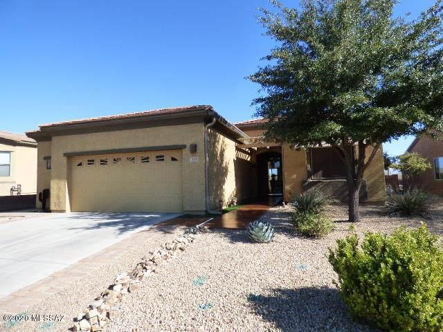 924 W Bosch Drive, Green Valley, AZ 85614 (#22005208) :: Long Realty Company