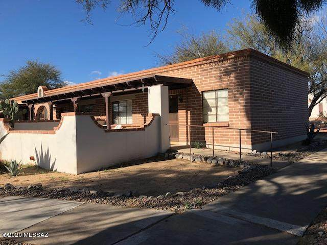 250 S Paseo Cerro, Green Valley, AZ 85614 (#22005988) :: Long Realty - The Vallee Gold Team