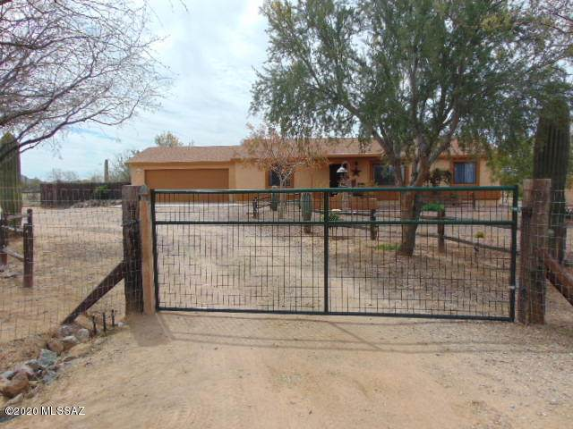 13115 W Trail Dust Road, Tucson, AZ 85743 (#22008804) :: Keller Williams