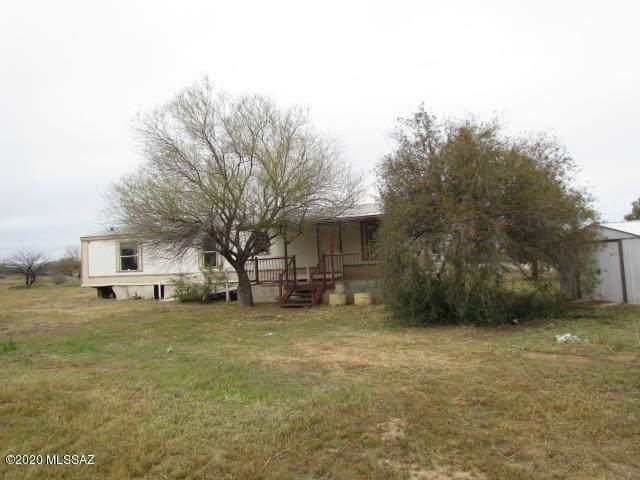 17621 W Picacho Road, Marana, AZ 85653 (#22009068) :: Long Realty - The Vallee Gold Team