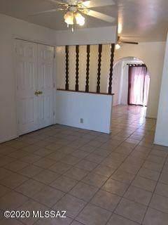 5802 E 31st Street, Tucson, AZ 85711 (#22009259) :: The Josh Berkley Team