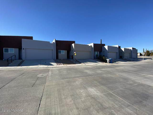 263 W Santa Sofia, Nogales, AZ 85621 (#22021098) :: Luxury Group - Realty Executives Arizona Properties