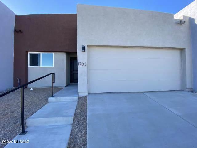 251 W Santa Sofia, Nogales, AZ 85621 (#22021103) :: Luxury Group - Realty Executives Arizona Properties