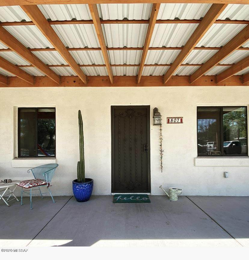 807 Desert Avenue - Photo 1