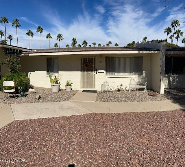 488 N Silverbell Road, Tucson, AZ 85745 (#22027499) :: Tucson Property Executives