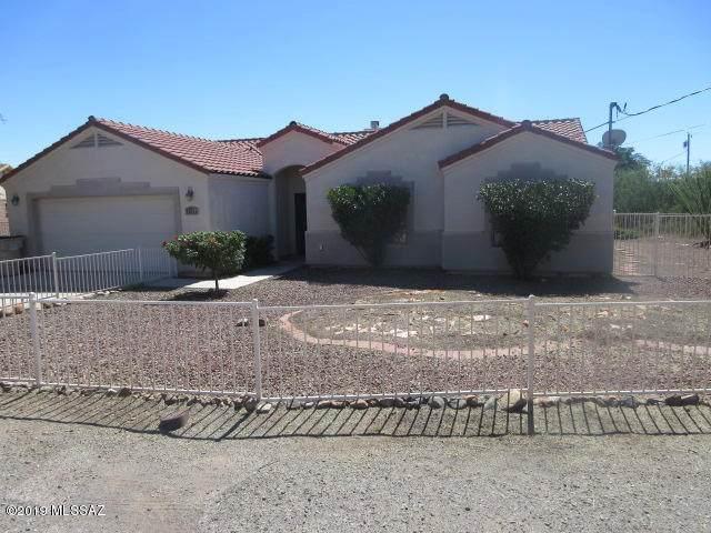 1694 Prado Court, Rio Rico, AZ 85648 (#22100531) :: Gateway Realty International