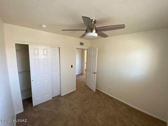 953 Desert Avenue - Photo 1