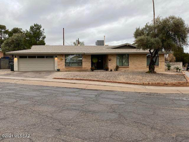 9318 E Hermosa Hills Drive, Tucson, AZ 85710 (MLS #22102027) :: The Luna Team