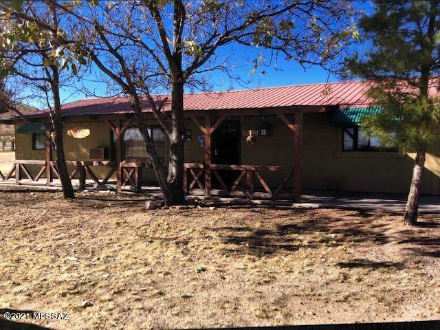 203 S Palm Road, Pearce, AZ 85625 (MLS #22104065) :: The Property Partners at eXp Realty