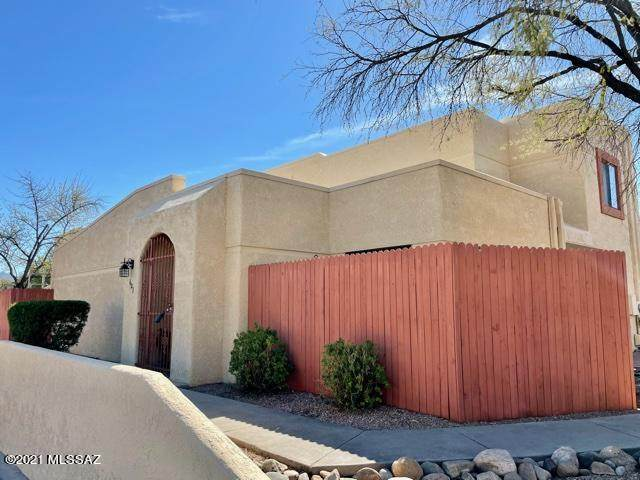 603 S Liana Court, Tucson, AZ 85710 (#22104960) :: Long Realty - The Vallee Gold Team