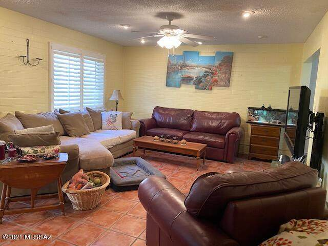 1776 S Palo Verde M112, Tucson, AZ 85713 (#22105545) :: Long Realty - The Vallee Gold Team