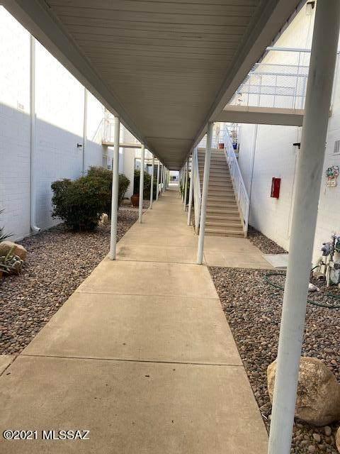 1715 S Jones Boulevard G214, Tucson, AZ 85713 (#22105780) :: Long Realty - The Vallee Gold Team