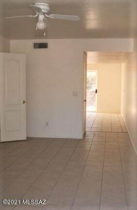 5641 S Jacaranda Road, Gold Canyon, AZ 85118 (MLS #22107570) :: My Home Group