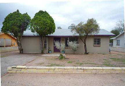 726 N Erin Avenue, Tucson, AZ 85711 (#22107775) :: Tucson Real Estate Group