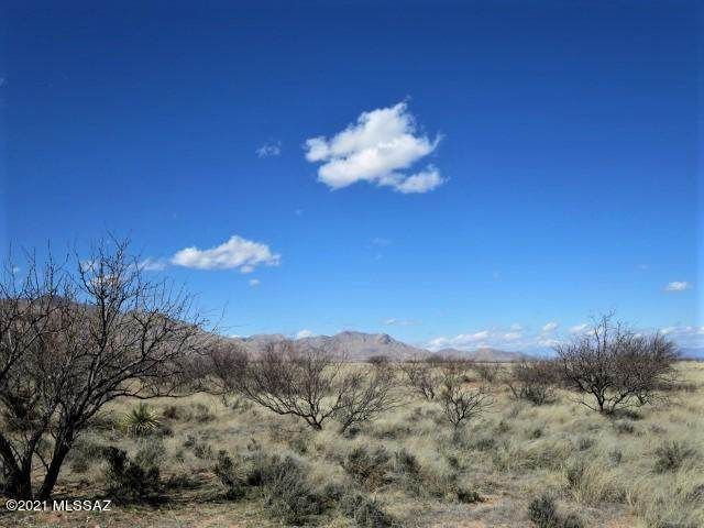 2.18 ac N Desert Road 1&2, Pearce, AZ 85625 (MLS #22108192) :: The Property Partners at eXp Realty