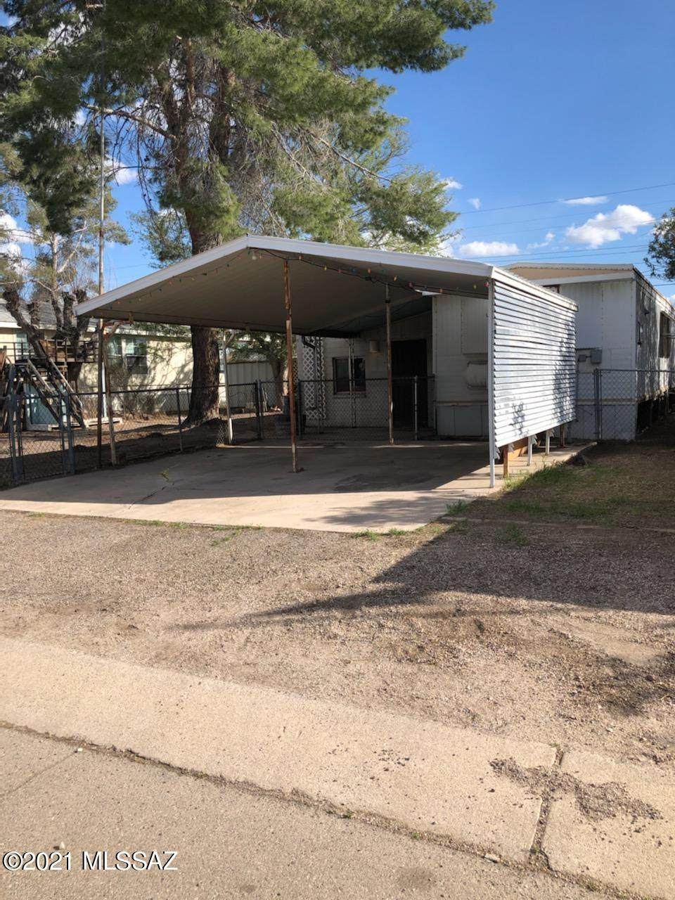 2825 Carnauba Street - Photo 1