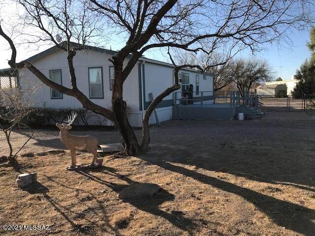 1172 E Morris Lane, Benson, AZ 85602 (MLS #22109300) :: My Home Group