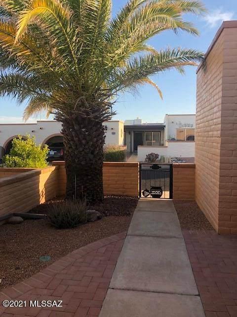 1424 Placita Apache, Green Valley, AZ 85622 (#22110679) :: Long Realty Company
