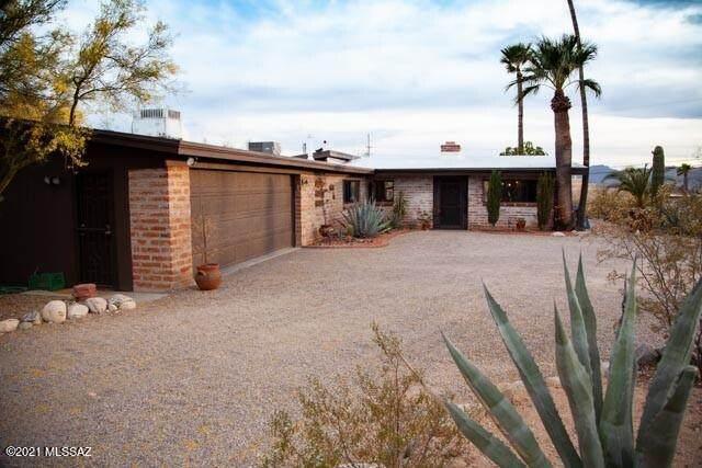 1201 W Ternero Street, Tucson, AZ 85704 (#22112141) :: Long Realty - The Vallee Gold Team