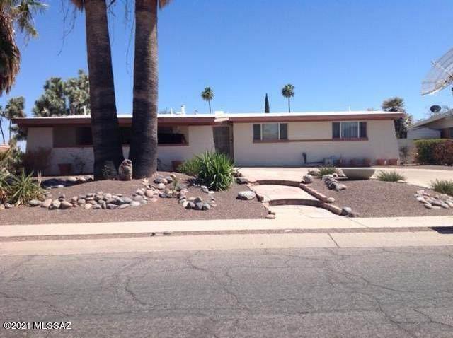 8840 E Pine Valley Drive, Tucson, AZ 85710 (#22115296) :: The Josh Berkley Team