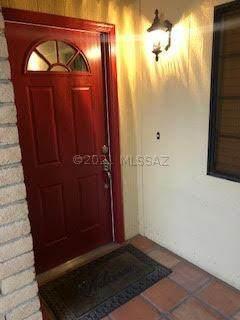 1717 S Thaxton Drive, Tucson, AZ 85710 (#22115630) :: Tucson Property Executives