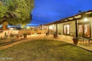 4950 N Calle Colmado, Tucson, AZ 85718 (#22122986) :: The Local Real Estate Group | Realty Executives